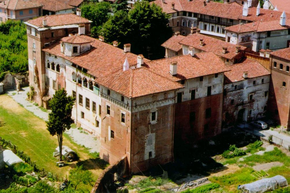 Castello-di-Lagnasco
