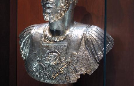 Busto in argento dell_imperatore Lucio Vero
