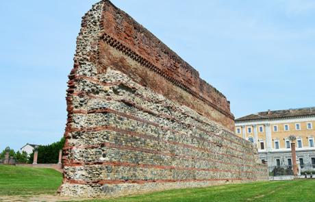 Mura romane presso la Porta Palatina