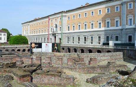 Teatro romano e manica nuova di Palazzo Reale
