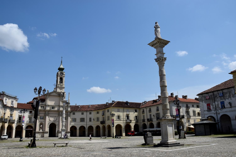 Venaria-Piazza-Annunziata